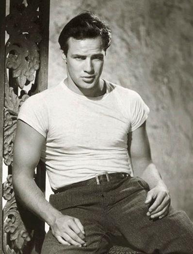 Marlon Brando en camiseta